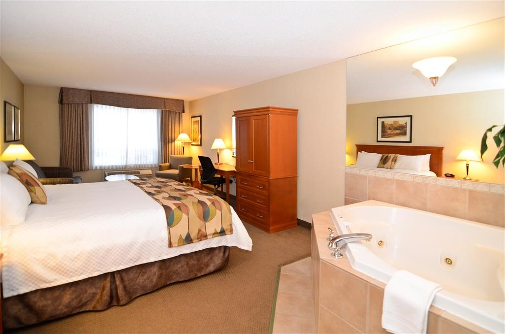 Best Western Plus Calgary Centre Inn - Suite