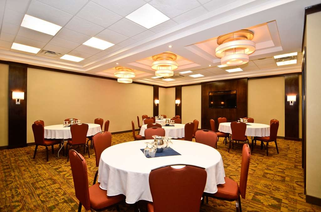 Best Western Wayside Inn - Our Spatinow Room is perfect for functions up to 50 people.