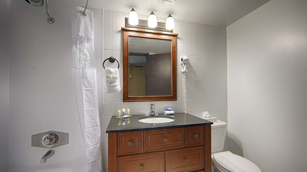 Best Western Wayside Inn - If you prefer a bathtub over a rainfall shower, let our front desk agents know and we will be happy to accommodate you.