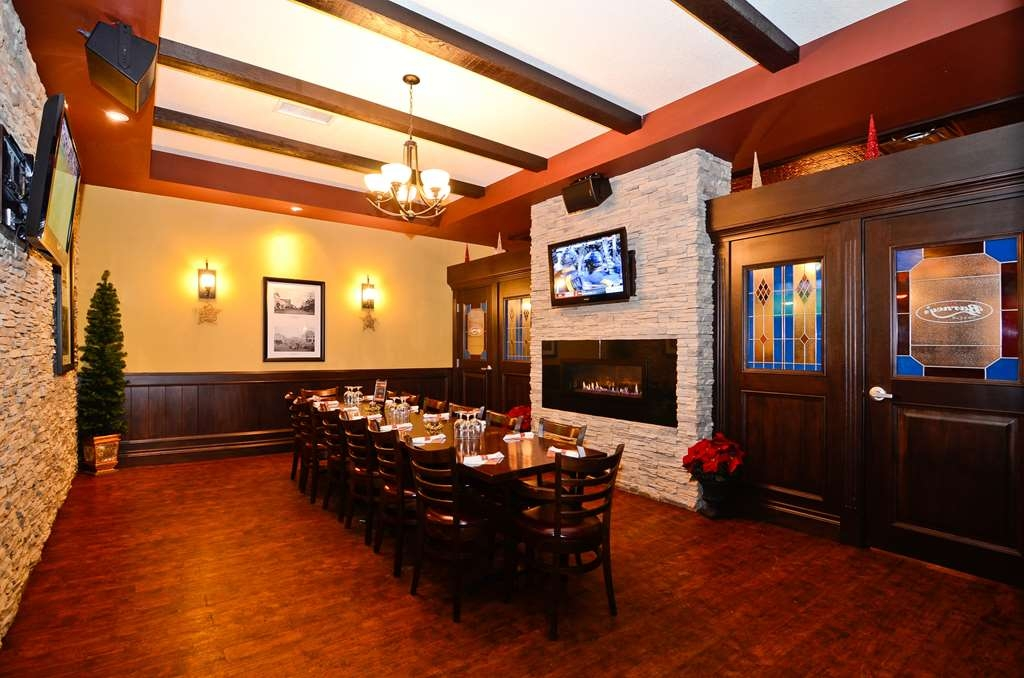 Best Western Wayside Inn - Barney's Office, our VIP room, is perfect for office parties, birthdays or anytime you want to get the gang together.