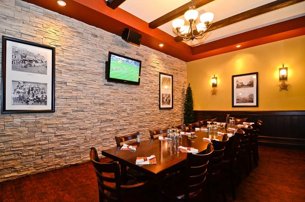 Best Western Wayside Inn - Barney's Office, our VIP room, offers seating for up to 20 and its own fireplace.