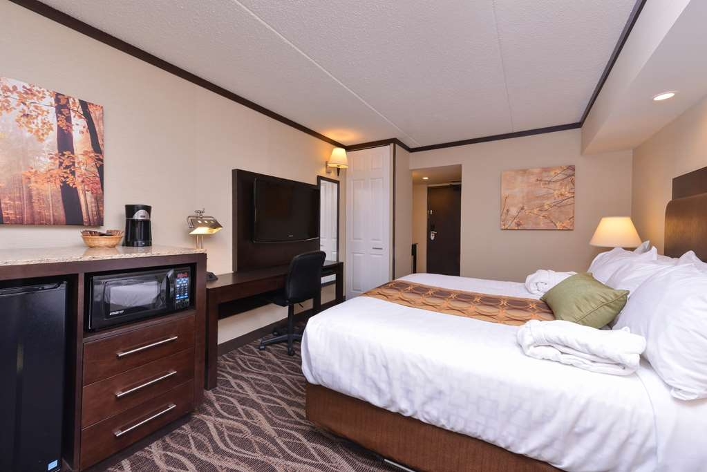 "Best Western Wayside Inn - All guest rooms feature 40"" flat screen televisions."