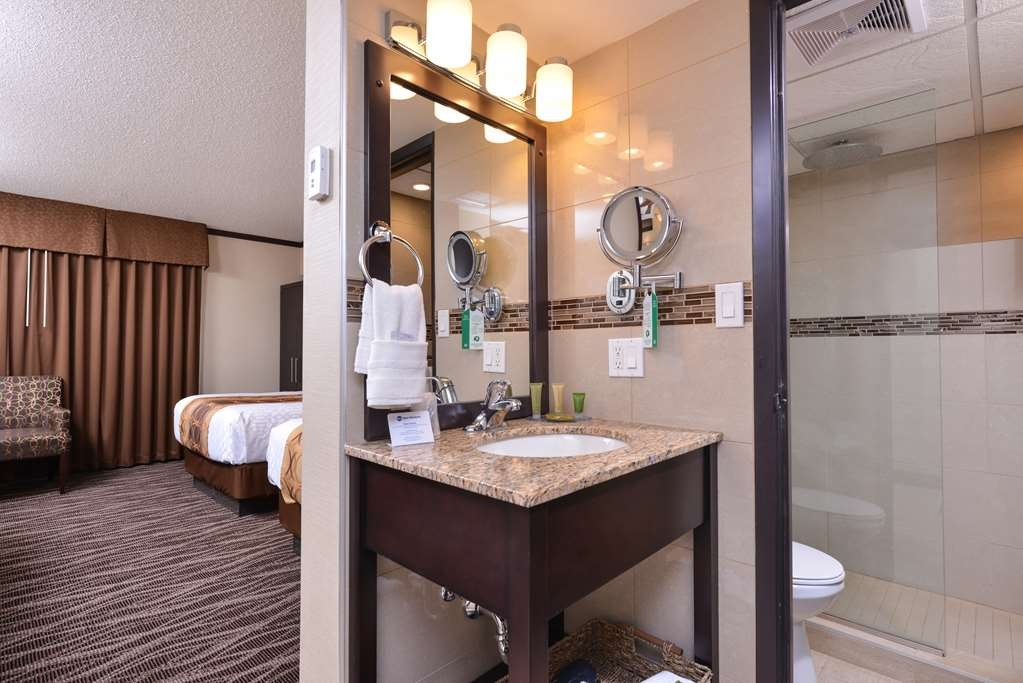 Best Western Wayside Inn - Modern styling and sparking amenities abound in our guest bathrooms.