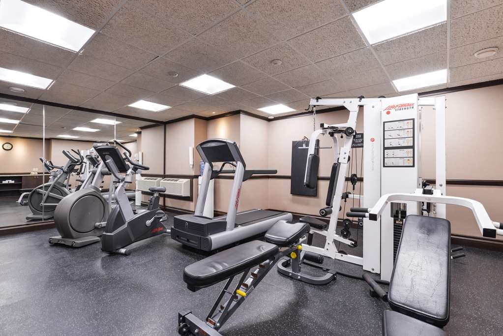 Best Western Wayside Inn - You can maintain your fitness routine in our bright and modern fitness room.