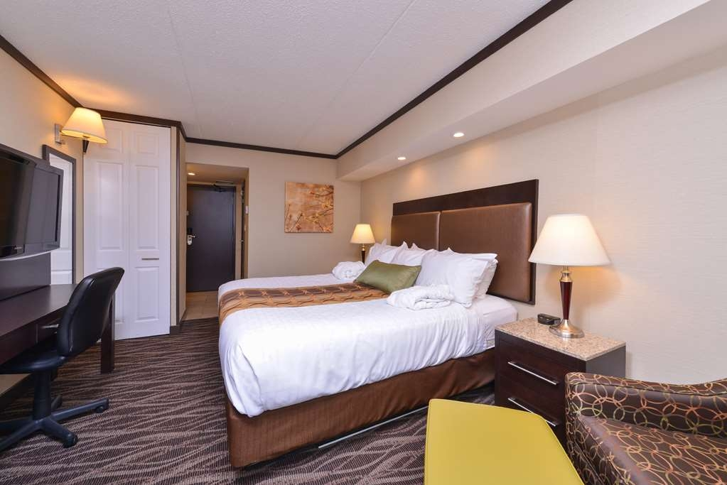 Best Western Wayside Inn - Enjoy a comfortable nights rest on one our luxurious king size pillow top mattresses.
