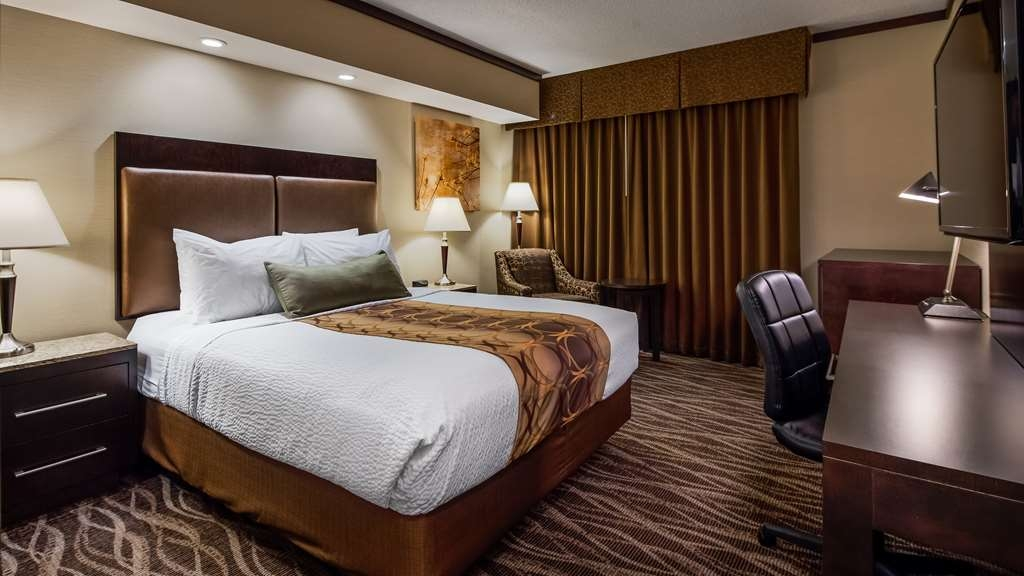 Best Western Wayside Inn - Enjoy the comfort of our luxurious pillow top mattress in any of well appointed guest rooms