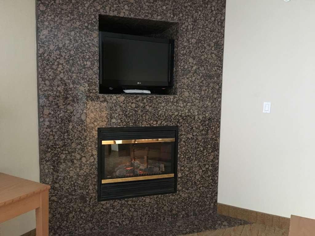 Best Western Grande Prairie Hotel & Suites - Suite