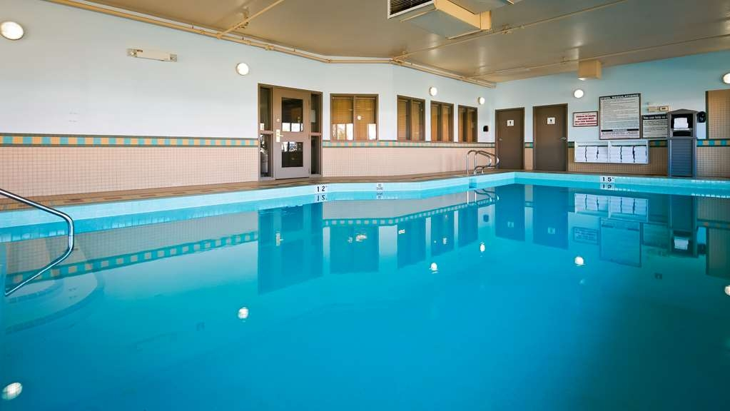 Best Western Grande Prairie Hotel & Suites - Jump into our indoor pool for a swim anytime of the day.