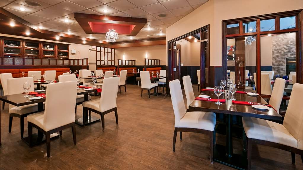 Best Western Grande Prairie Hotel & Suites - Dine with friends and family at our restaurant, Padrino's Italian Ristorante, open at 4:30 p.m. for dinner.