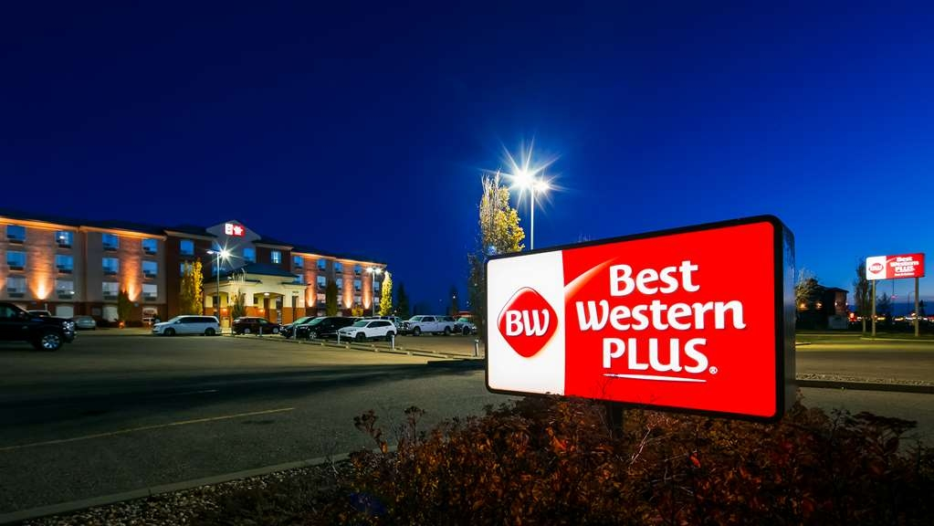 Best Western Plus Red Deer Inn & Suites - Hotel Exterior
