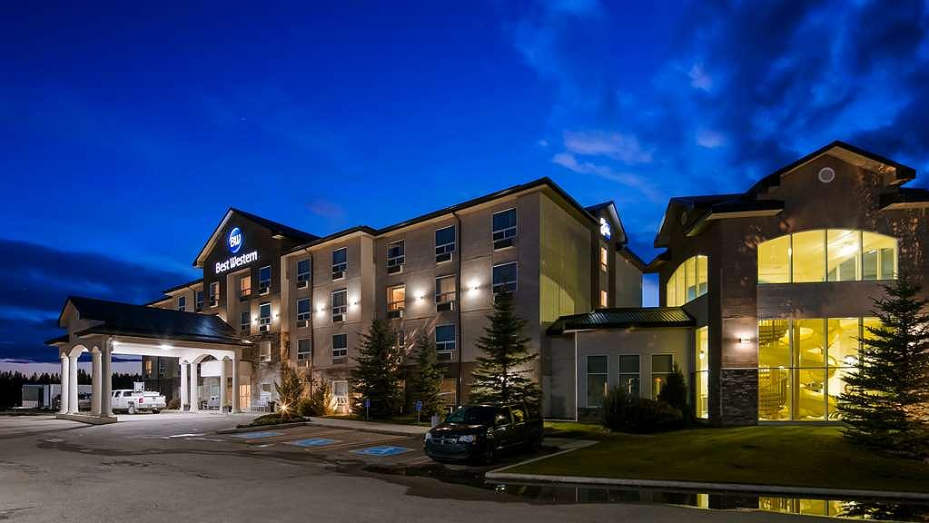 Best Western Rocky Mountain House Inn & Suites - Vista exterior