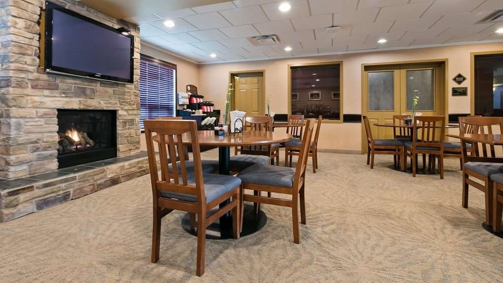 Best Western Rocky Mountain House Inn & Suites - Restaurante/Comedor