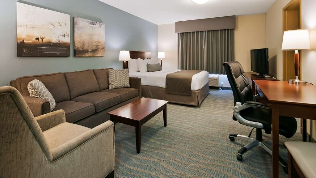 Best Western Rocky Mountain House Inn & Suites - Suite