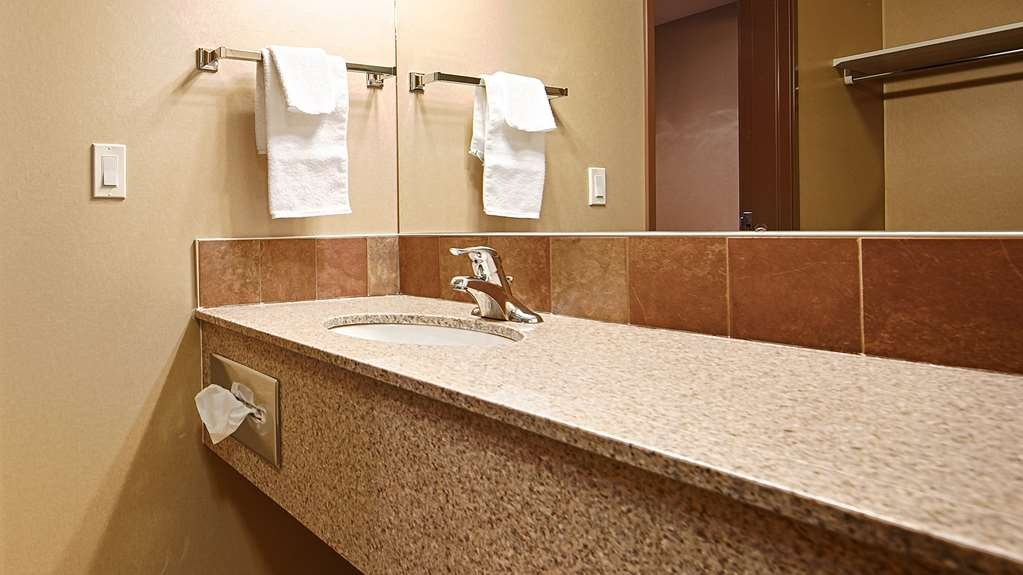 Best Western Diamond Inn - Guest Bathroom
