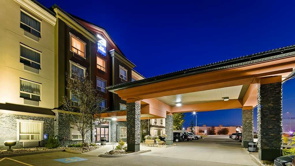 Best Western Bonnyville Inn & Suites - Vista exterior