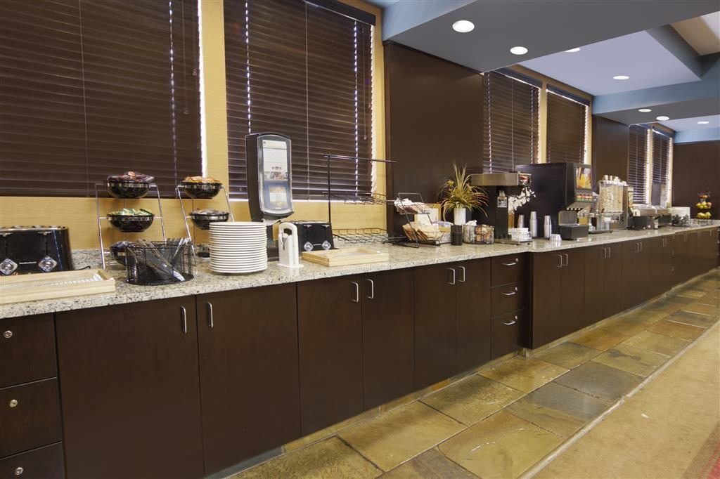 Best Western Bonnyville Inn & Suites - Colazione a buffet
