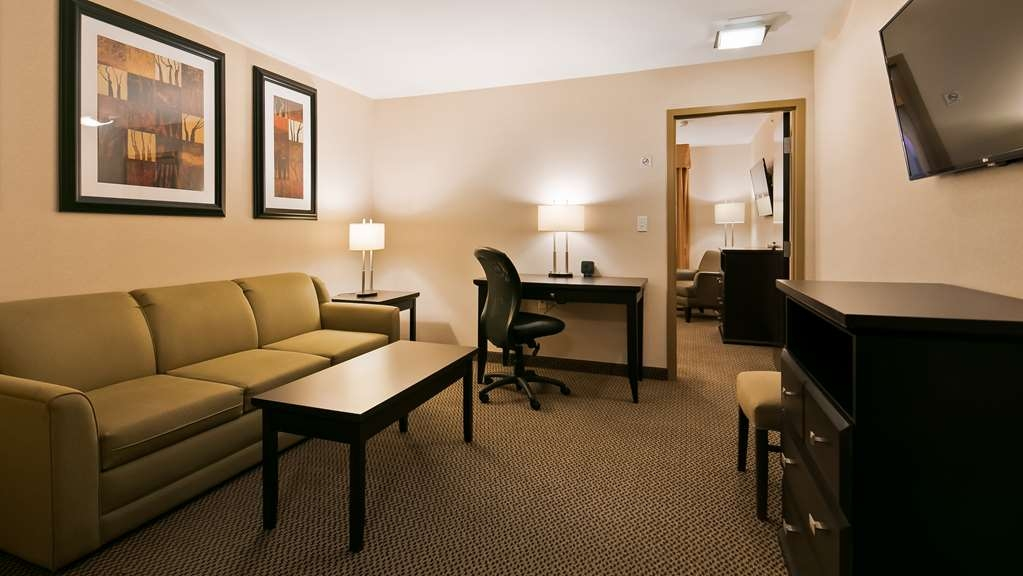 Best Western Bonnyville Inn & Suites - Use the sofabed in our Executive Suites for extra sleeping space without the cost of an additional room.