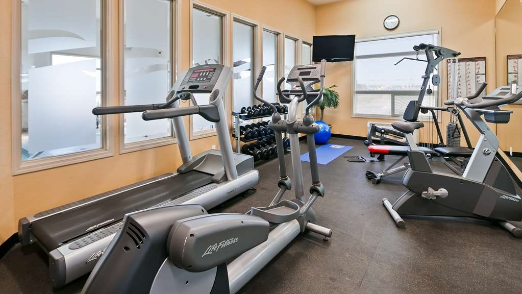 Best Western Wainwright Inn & Suites - Fit a workout into your busy day during your stay with the convenience of our 24-hour fitness center.