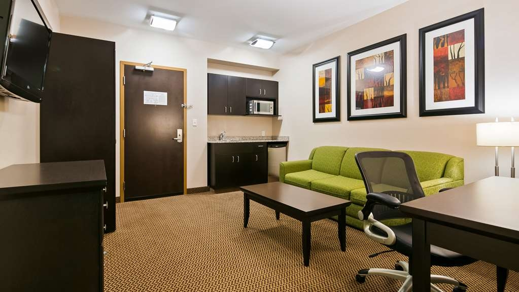 Best Western Wainwright Inn & Suites - Use the sofabed in our Executive Suite for extra sleeping space without the cost of an additional room.
