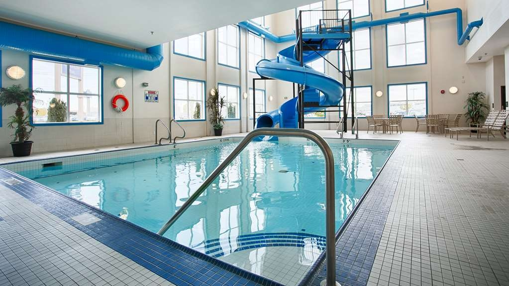 Best Western Plus South Edmonton Inn & Suites - Have fun in our indoor heated pool with a water slide!