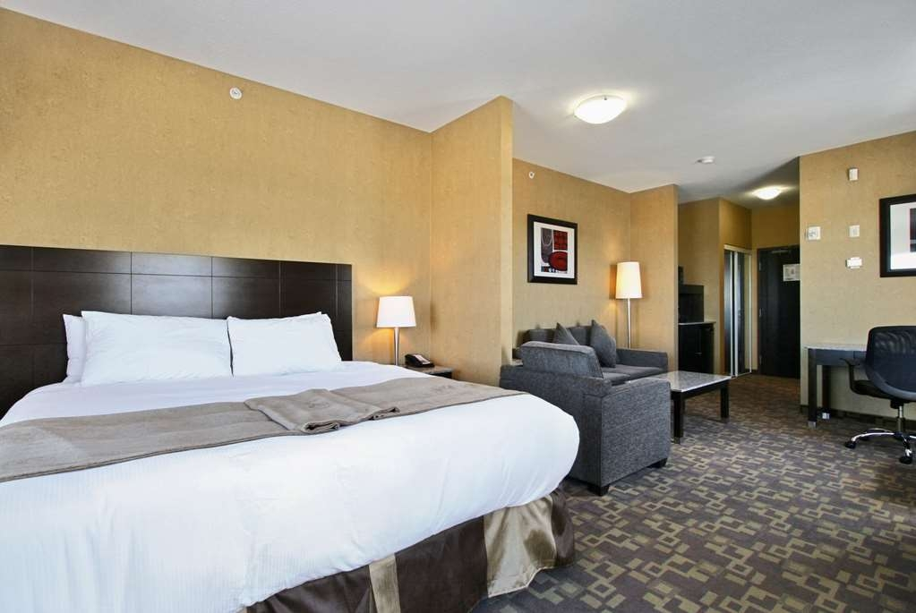 Best Western Plus South Edmonton Inn & Suites - King Suite with Fireplace Whirlpool and Sofa Bed