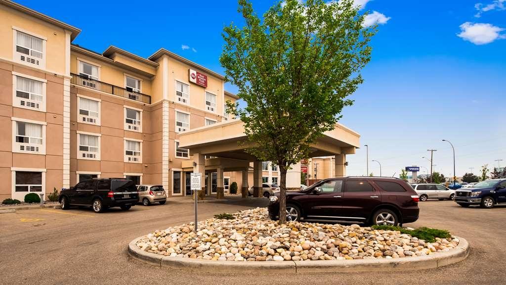 Best Western Plus South Edmonton Inn & Suites - Facciata dell'albergo