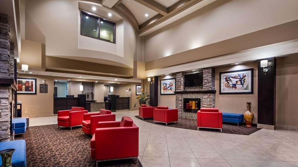 Best Western Plus South Edmonton Inn & Suites - Vue du lobby