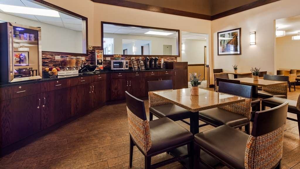 Best Western Sundowner - Sit down and enjoy the morning news while sipping a delicious cup of coffee.