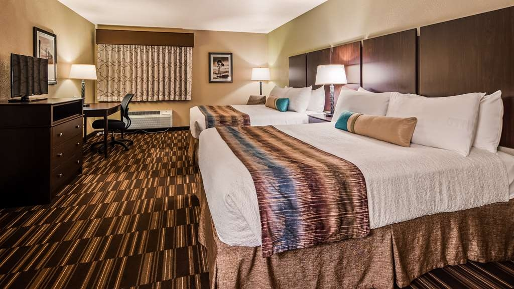 Best Western Sundowner - Designed for corporate and leisure traveler alike, make a reservation in this 2 Queen room.