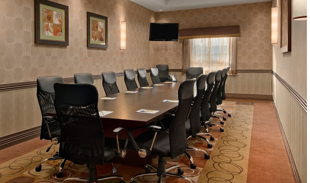 Best Western Premier Freeport Inn & Suites - Our boardroom accommodates up to 14 guests and offers a 42-inch flat panel LCD television with audio/visual connections.