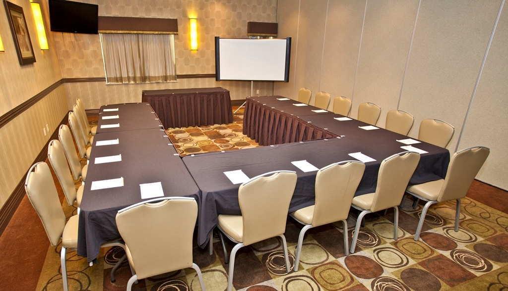 Best Western Premier Freeport Inn & Suites - We can cater your next meeting event with a variety of menu options.