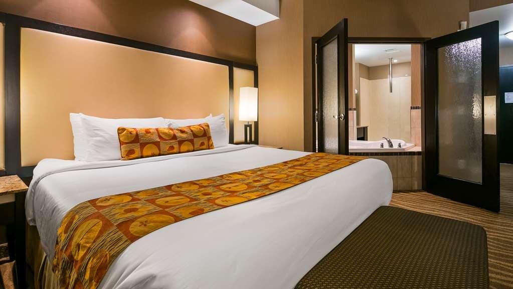 Best Western Premier Freeport Inn & Suites - Suite