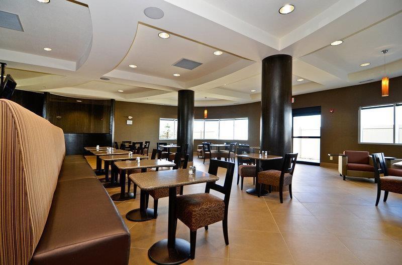Best Western Premier Freeport Inn Calgary Airport - Restaurant
