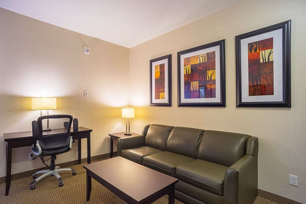 Best Western Plus The Inn at St. Albert - Use the sofa bed in this room for extra sleeping space without the cost of an additional room.