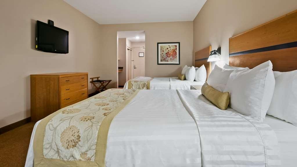 Best Western Plus Chateau Inn Sylvan Lake - Guest Room