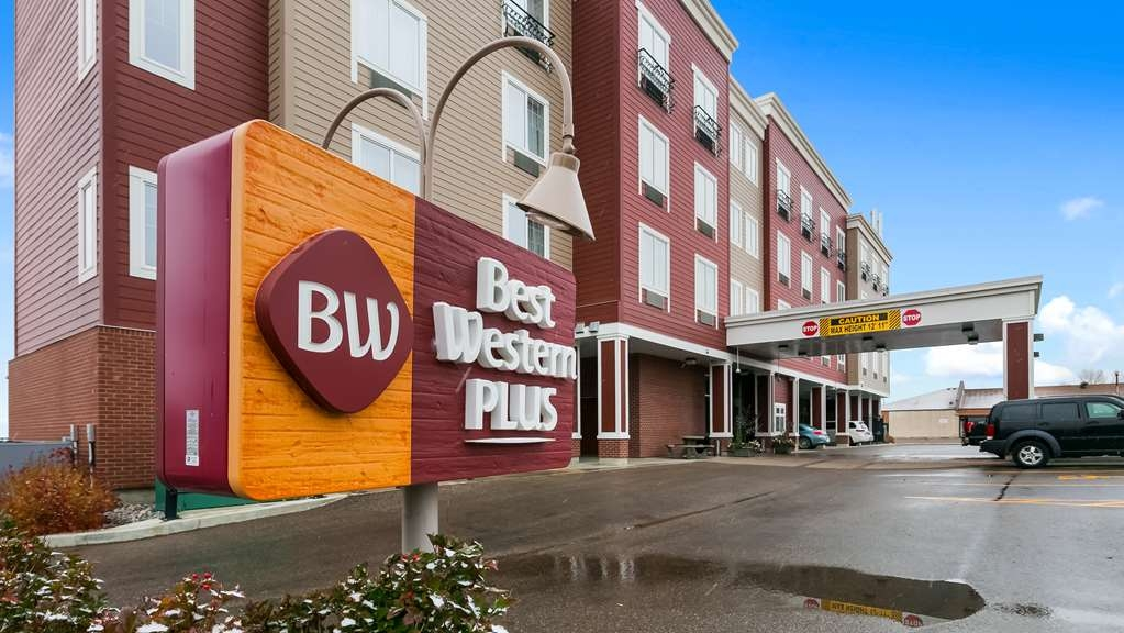 Best Western Plus Chateau Inn Sylvan Lake - Außenansicht