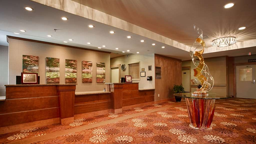 Camrose Resort Casino, BW Premier Collection - Lobbyansicht