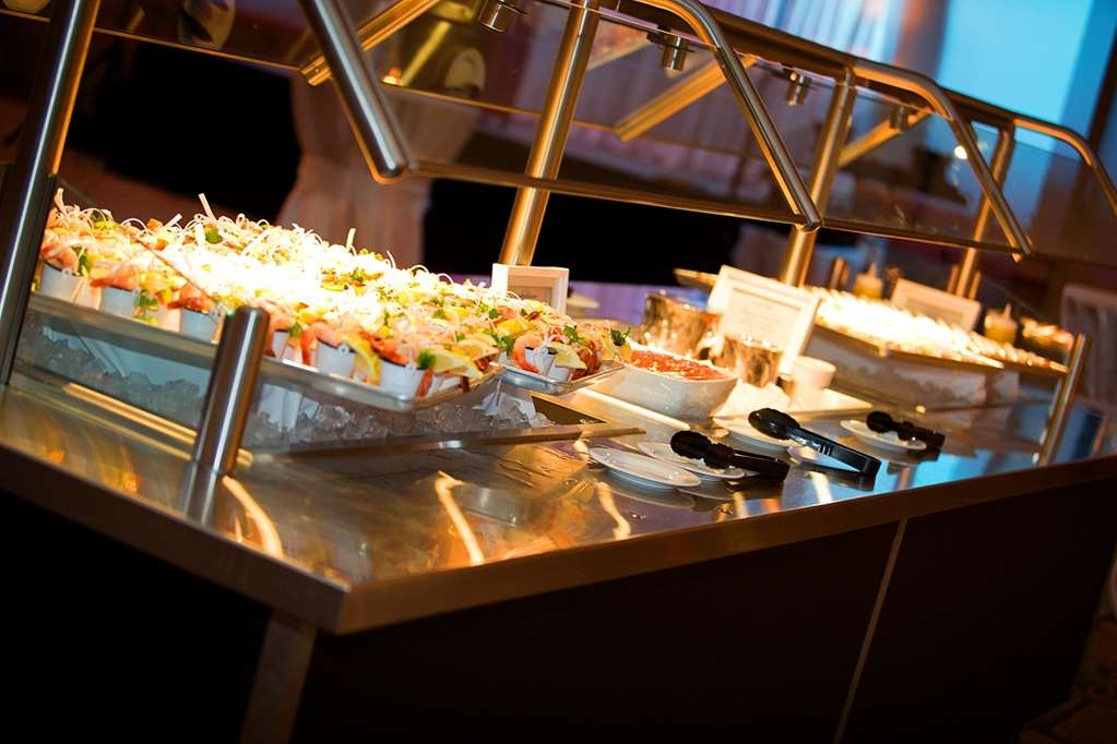 Camrose Resort Casino, BW Premier Collection - buffet