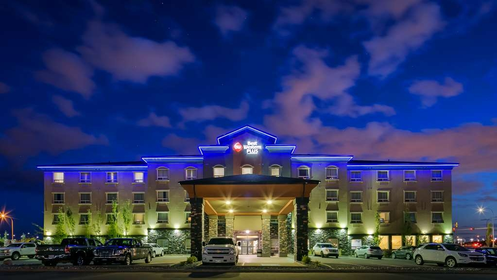 Best Western Plus Sherwood Park Inn & Suites - Außenansicht