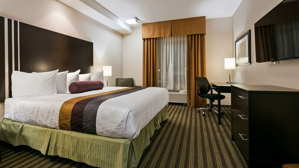 Best Western Plus Sherwood Park Inn & Suites - Guest Room
