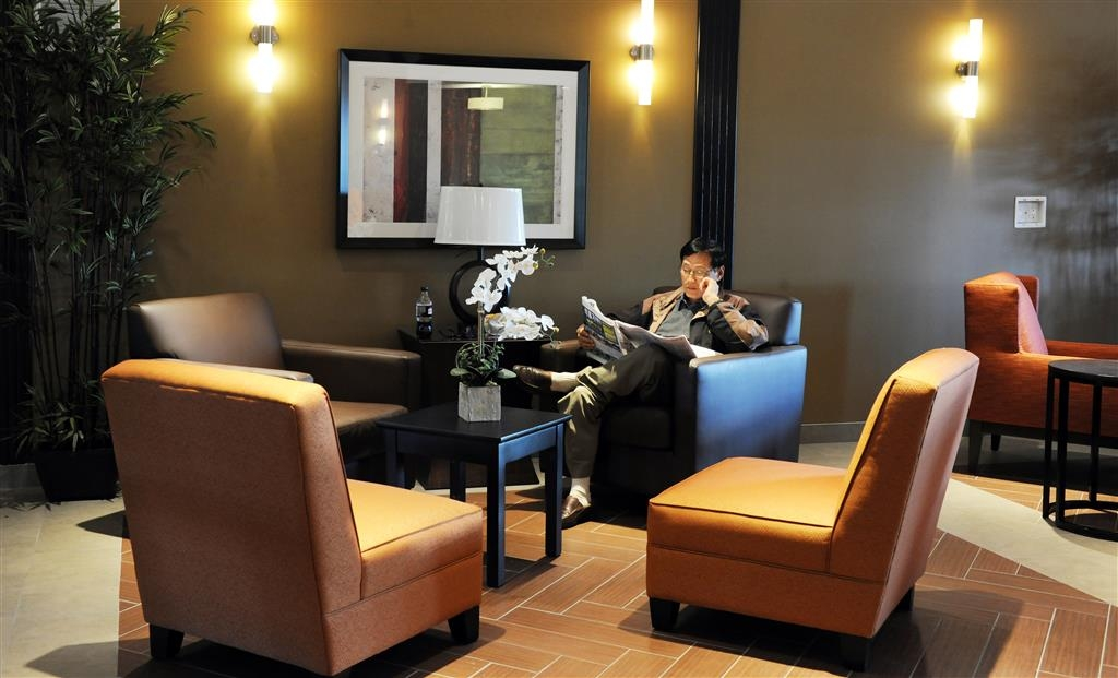 Best Western Plus Peace River Hotel & Suites - Meet up with friends or enjoy some quiet time and grab a complimentary newspaper in our lobby.
