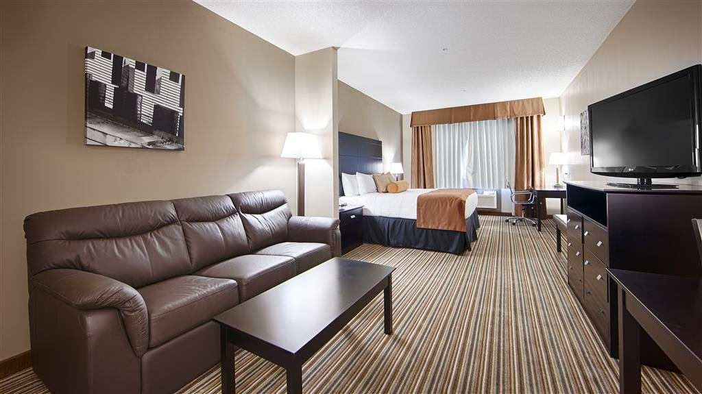 Best Western Plus Peace River Hotel & Suites - King Suite