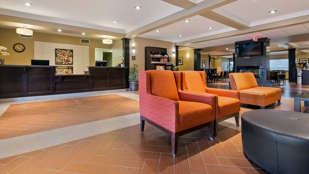 Best Western Plus Peace River Hotel & Suites - Hotel Lobby