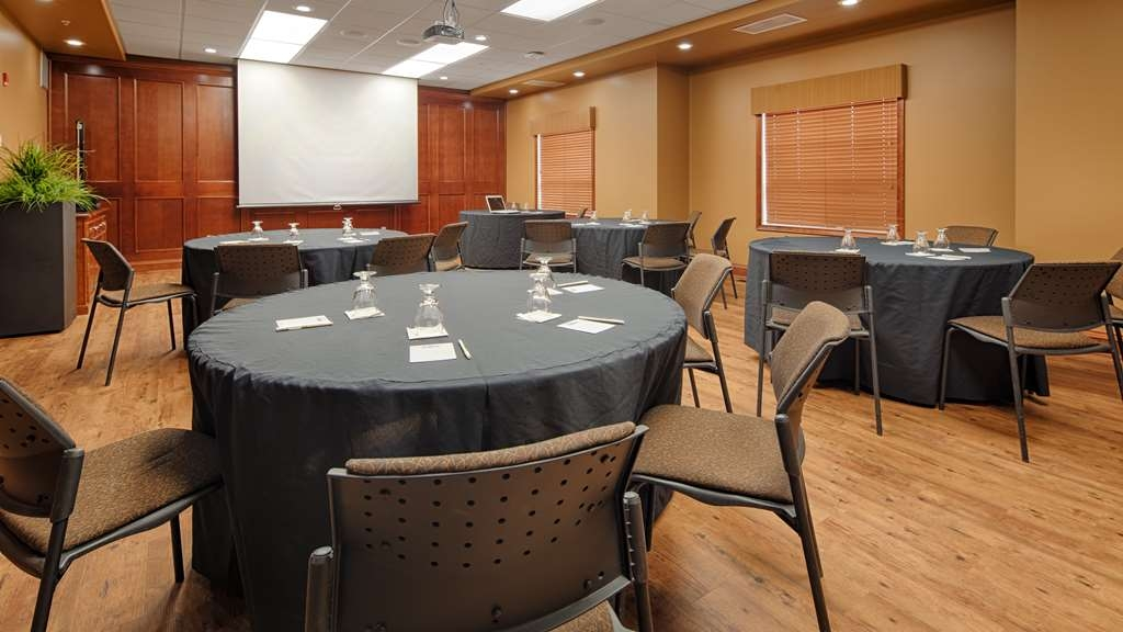 Best Western Plus Meridian Hotel - Our Community Builder meeting room is the perfect spot for your next business meeting or event