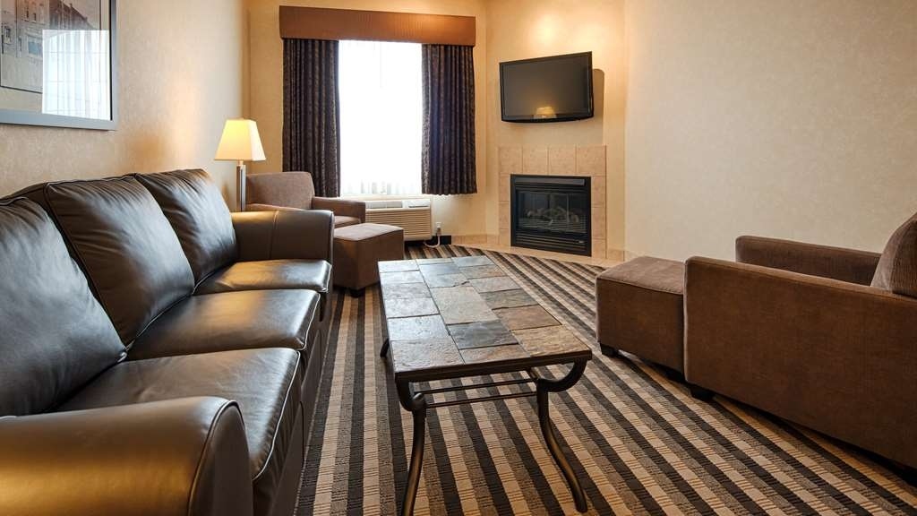 Best Western Plus Meridian Hotel - Live in true luxury when you book a Whirlpool Suite