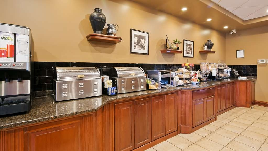 Best Western Plus Meridian Hotel - Breakfast Bar