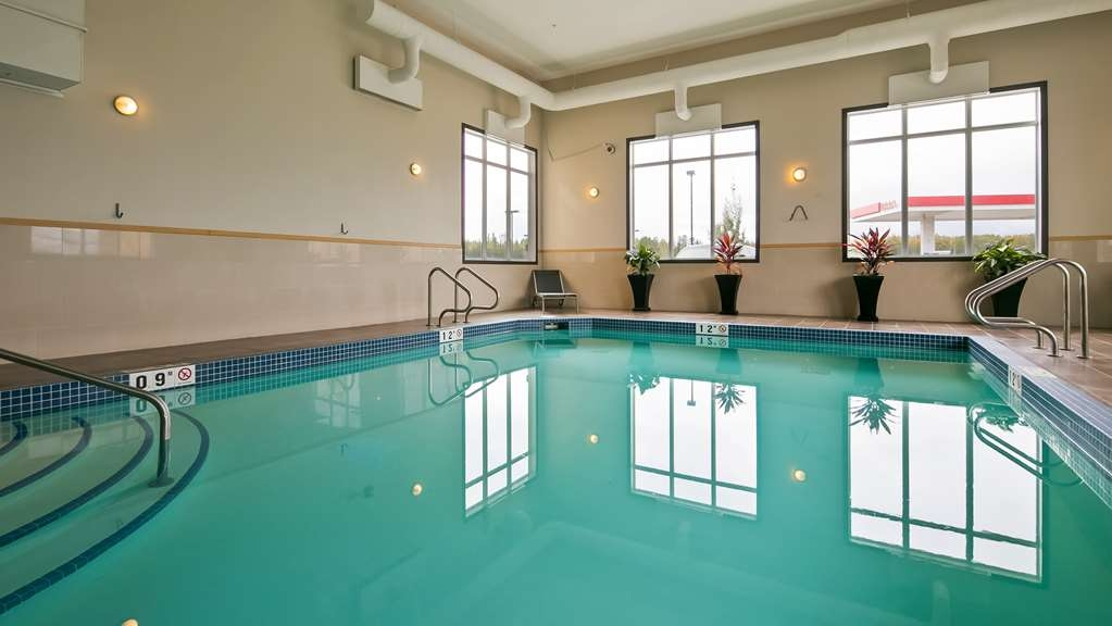 Best Western Plus Fox Creek - Piscina