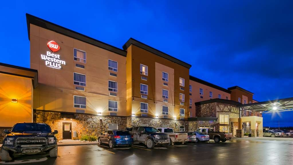 Best Western Plus Fox Creek - Facciata dell'albergo