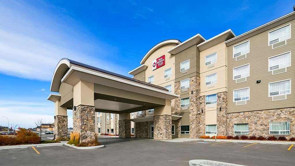 Best Western Plus Okotoks Inn & Suites - Aussenansicht