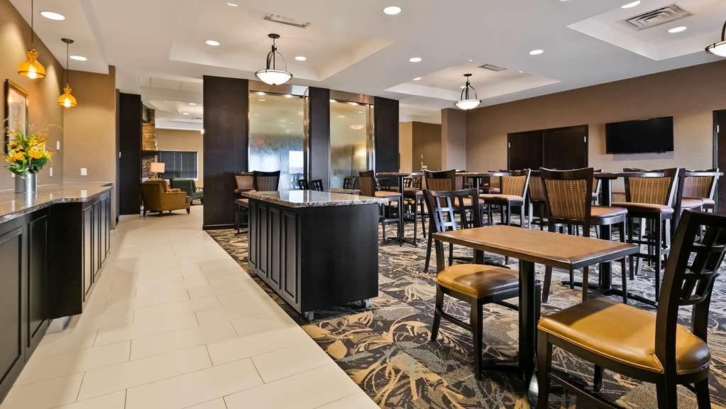 Best Western Plus Okotoks Inn & Suites - Restaurante/Comedor